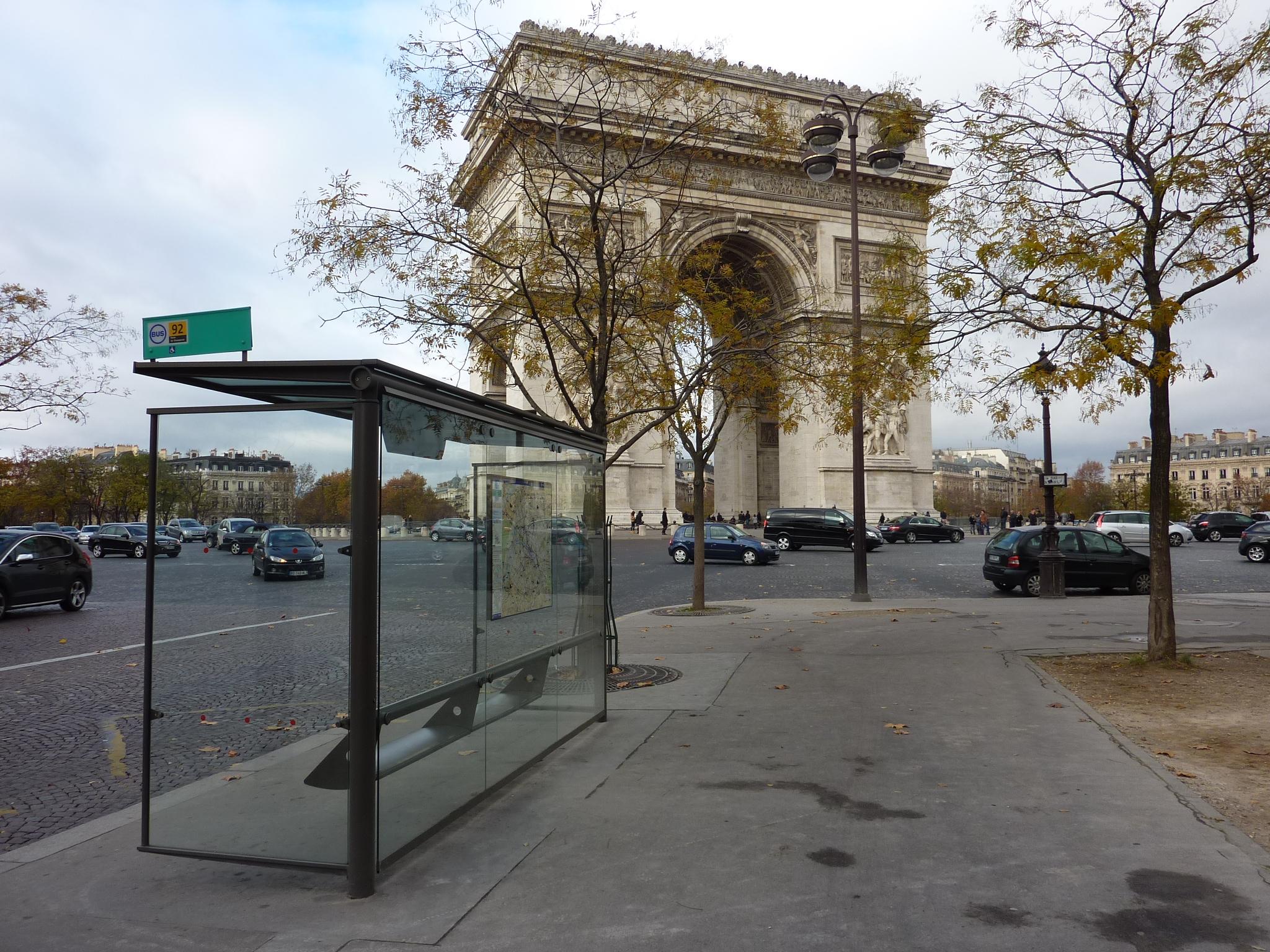 Francie, Paříž, Vítězný oblouk, 27.11.2011